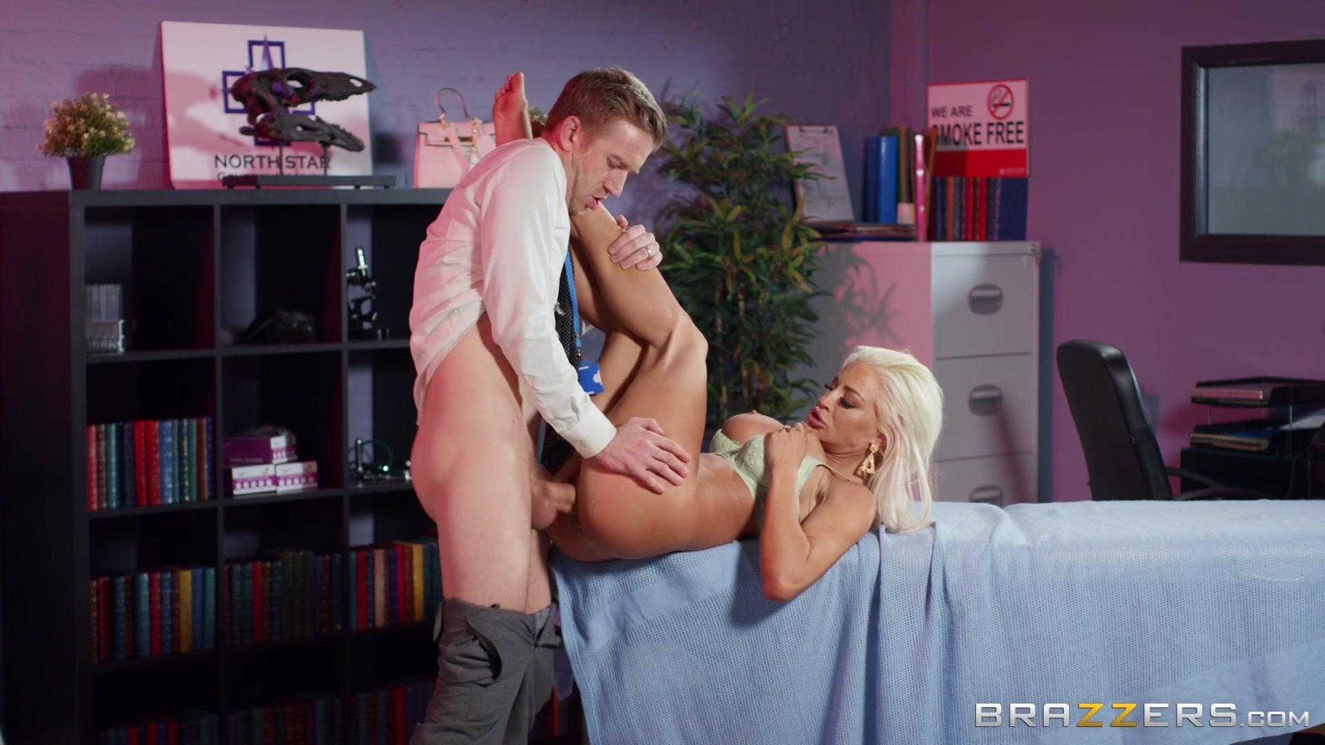 DoctorAdventures – Sienna Day Can You Feel That