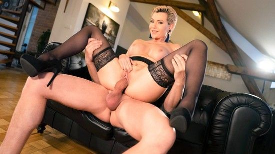 [MomXXX] Subil Arch – Russian MILF romanced in stockings Online Free