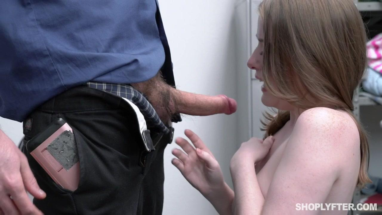 Shoplyfter  Alice Merchesi